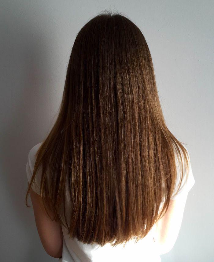 Keratynowe prostowanie włosów okazało się bardzo interesującym dla Was tematem. Nie dziwię się, jest to jeden z popularniejszych zabiegów na włosy, a relacja Pauliny jest doskonale i dokładnie napisana. PRZECZYTAJ RELACJĘ Z KERATYNOWEGO PROSTOWANIA WŁOSÓW W DOMU Paulina postanowiła dołożyć kolejną porcję dobrego – przysyłać aktualizacje po zabiegu, aby udokumentować, jak długo utrzymuje się keratynowe ...