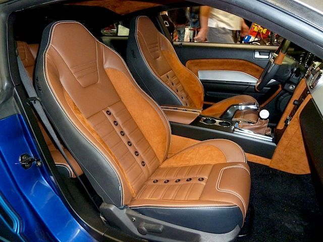 tmi 2005 ford mustang sema tmi s new sport xr seats trimmed in beautiful black brown leather. Black Bedroom Furniture Sets. Home Design Ideas