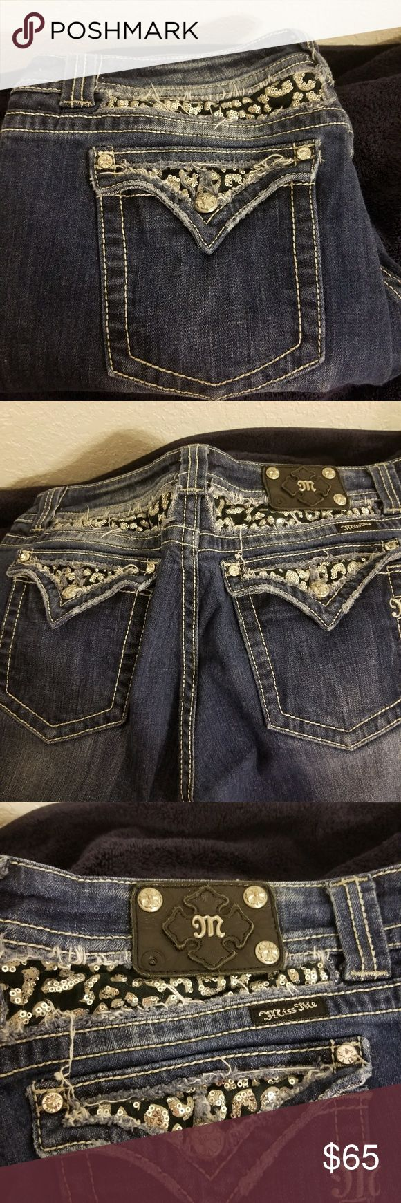 Miss Me capris size 36 Plus Size Miss Me capris  Size 36 Inseam 21 Easy Capri  Missing one rivet on back logo (photo 3) Open to reasonable offers Miss me Jeans Ankle & Cropped