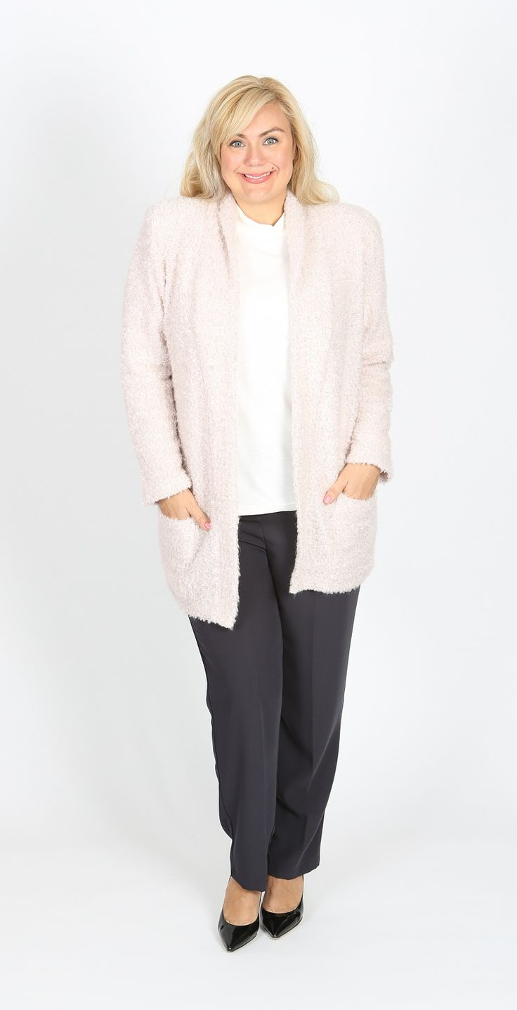 Devine roll neck boucle jacket in dusty pink: Our popular Sybils wool blend boucle roll collar edge to edge jacket in a soft pink. Adorable. Fabric: Polyester Spandex Wool Boucle Label: Sybils