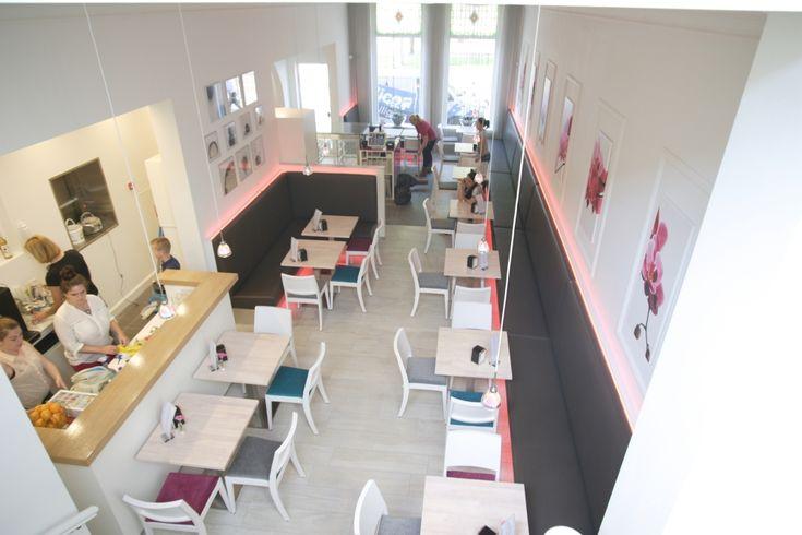 De winkel en lunchroom van Banketbakkerij Jan de Groot, specialist in de echte Bosschebollen