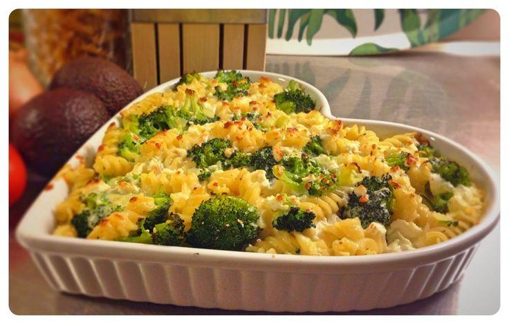 Krämig pasta- och broccoligratäng