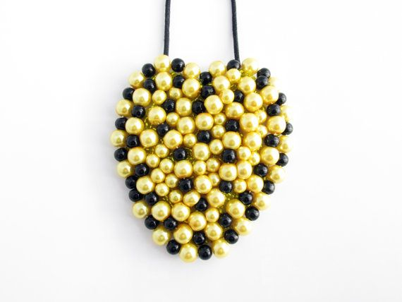 """""""Heart Shaped"""" Elegancia Statement Necklace"""