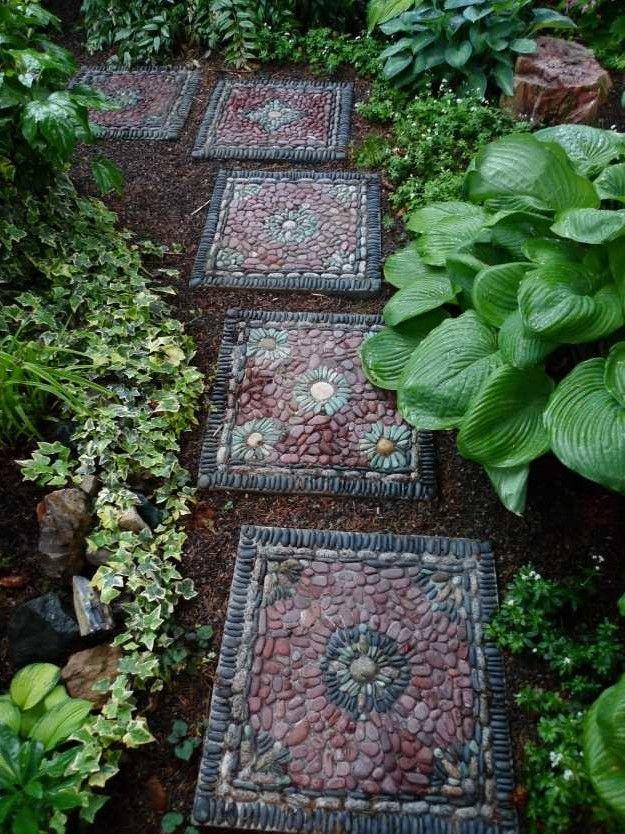 Gartenwege Aus Kieselsteinen Interessante Gartengestaltung In Mosaik