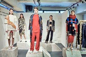 VOGUE PORTUGAL: Em Londres com o Portugal Fashion, as malhas de Susana Bettencourt conduziram a uma viagem de texturas, algures entre o étnico e o chique.