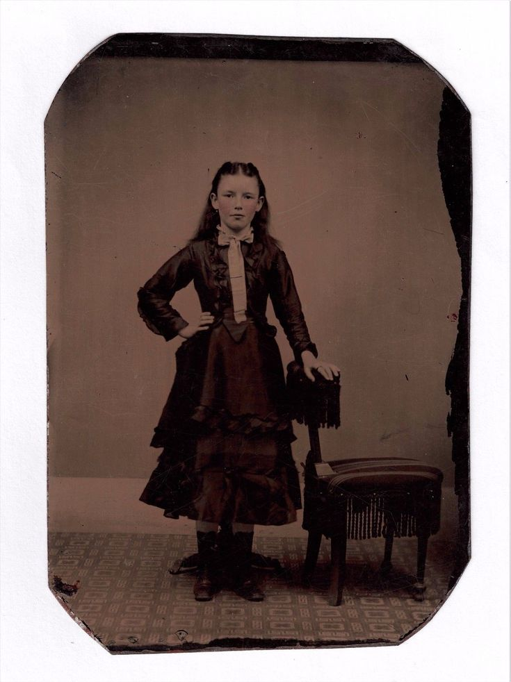 https://www.ebay.com/itm/OLD-VINTAGE-ANTIQUE-TINTYPE-PHOTO-of-BEAUTIFUL-YOUNG-TEEN-GIRL/112764995516?hash=item1a415147bc:g:REIAAOSwRbtaBoiJ