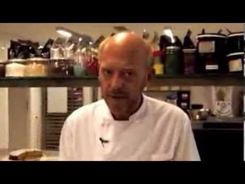 Βασιλόπιτα πολίτικη από τον Στέλιο Παρλιάρο - YouTube