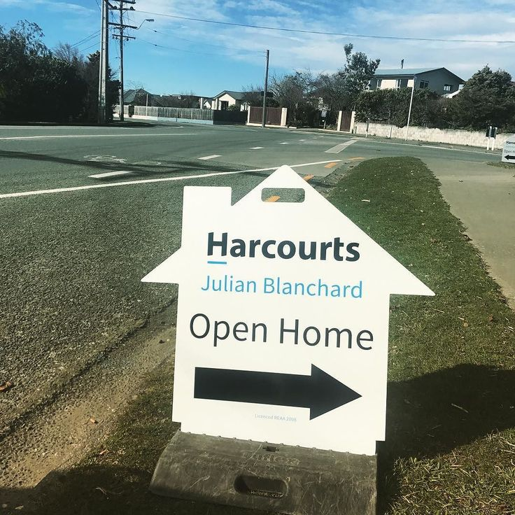 Thanks @markbrown2449 and team at 1st Impression Signs for my great new open home signs getting their debut today. #harcourts #realestate #timaru