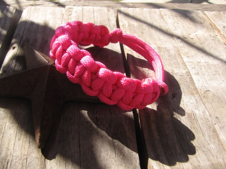 Pink Paracord Slip Knot  Bracelet by HoneyCreekSisters on Etsy