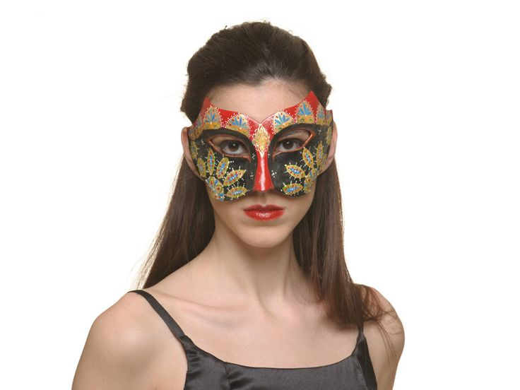 http://www.miofidelio.com/sito/en__p__46__murrina.html Murrina This mask recalling a Venetian atmosphere is the result of a synthesis of traditional craftsmanship and style oriented to fashion and trends.  Our designer creates these papier mâché masks with the traditional technique of negative plaster mold.