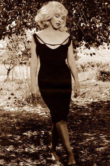 marilyn monroe, 1960s.: Dresses Black, Marilyn Monroe, Fashion, Norma Jeans, Wedding Photos, Little Black Dresses, Marylin Monroe, The Dresses, Hair