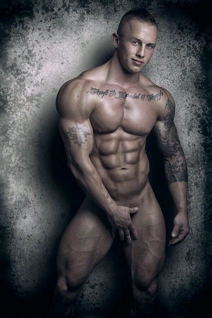 Sexy Muscular Gay Men 101