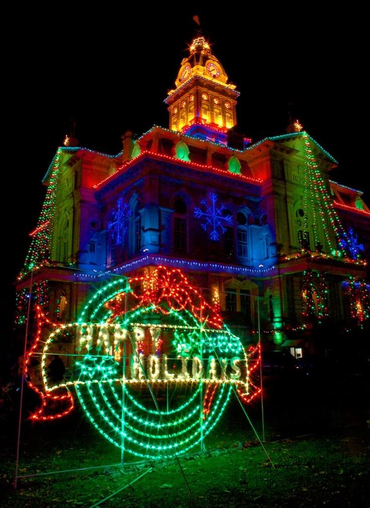 350 best BEAUTIFUL CHRISTMAS LIGHT images on Pinterest   Christmas ...