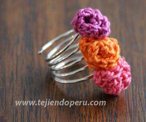 Cómo tejer anillos con rosas tejidas a crochet!