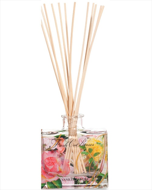 Fresh Cut Roses - An intoxicating English garden of fragrant heirloom roses  Combine beautiful Yankee fragrance with stylish motifs and hassle-free aroma. Each reed diffuser features a lovely design and looks great in any room.  The patterned bottle contains fragrance oils that are gradually drawn up through the reeds and diffused into the air. This gives you the perfect level of continuous, effort-free fragrance for up to 6-8 weeks. Simple!