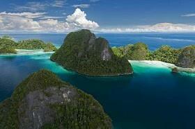 Wayag Islands, Raja Ampat (Indonesia)