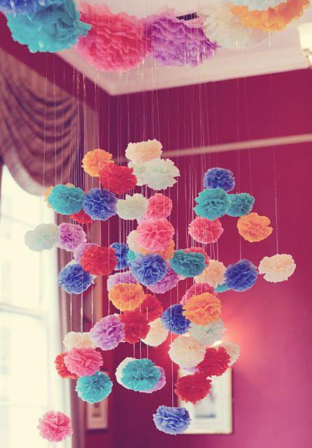 Quiero poner esto en mi cuarto donde esta mi lampara.. ver esto. Me encanta! Esta full girly y colorido.