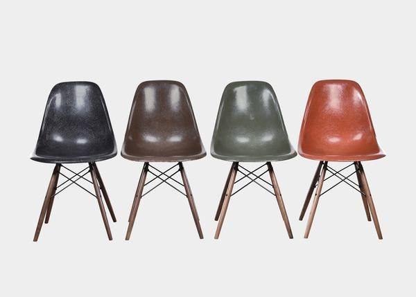 Vintage Eames DSW Set (Black, Seal Brown, Olive Green Dark, Terra Cotta) www.joink.nl