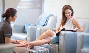 60 Min. Fußpflege mit Fußbad und Fußmassage, opt. mit Paraffinbad, für 1 Person bei LaChristine (bis zu 51% sparen*)