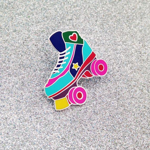 Roller Skate émail Lapel Pin Badge - rollers - Roller Derby