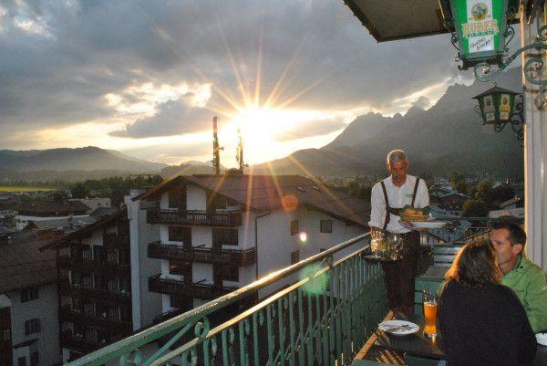St. Johann in Tirol  Huber Bräu-Stüberl med det i særklasse velskænket fadøl var også i #uge35_2013 et besøg værd