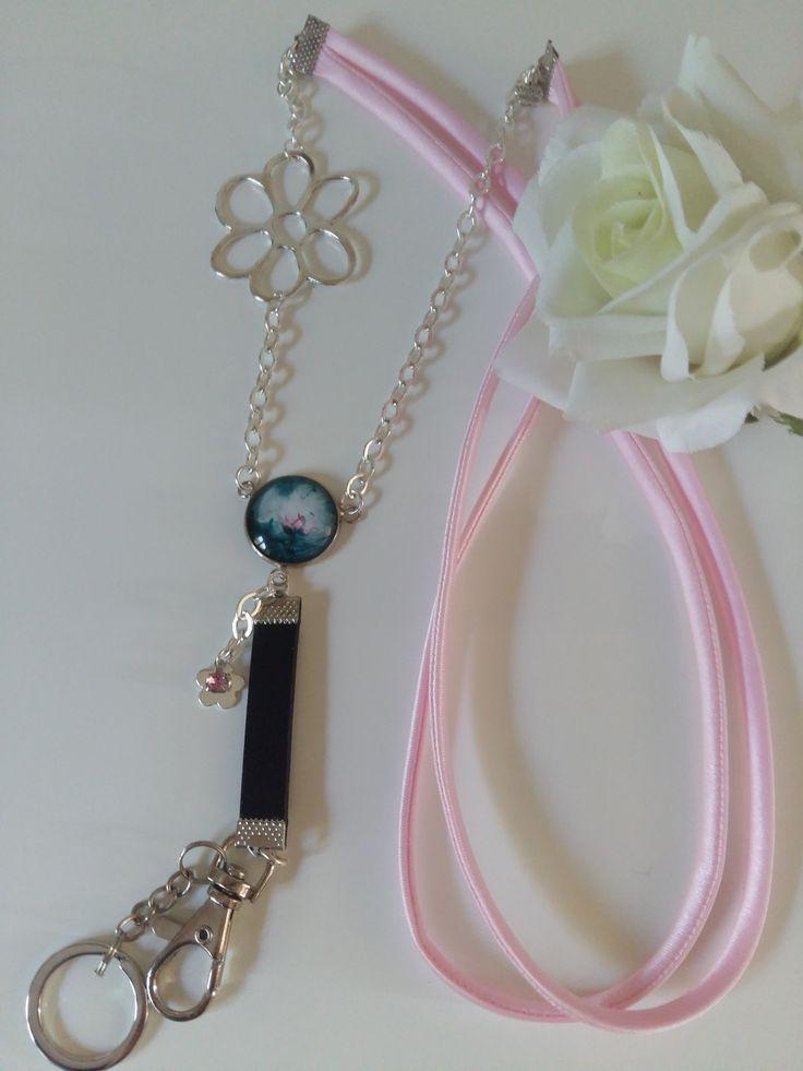 "Cordon / lanyard porte-badge cabochon ""Lotus"""