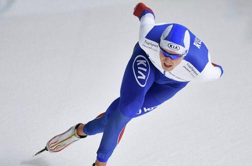 Денис Юсков завоевал золото на ЧМ по конькобежному спорту