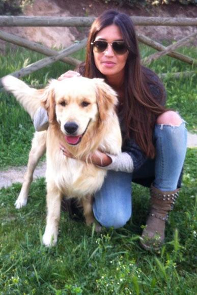 Sara Carbonero con su perro Doce