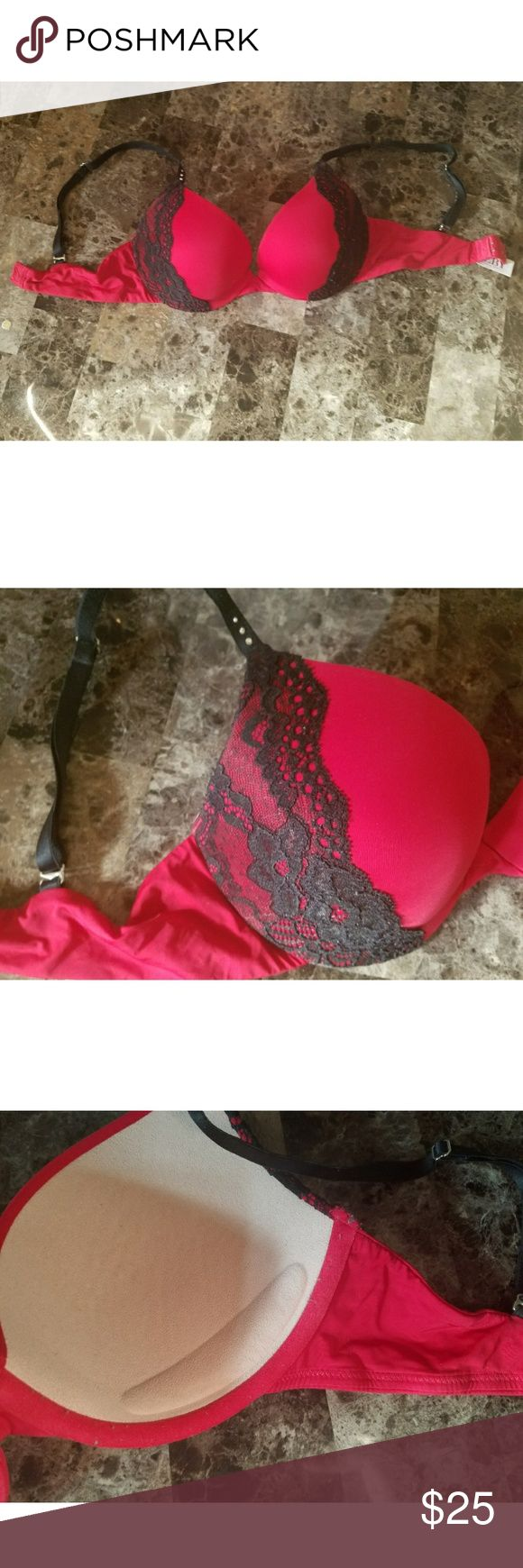 Frederick's of Hollywood Biofit bra Red and black lace Biolift Playboy bra from Frederick's of Hollywood. Flexible push up bra. Wasn't worn very many times. Still in great condition. 32D. Straps fully adjustable. Bundle with other bras for a discount! Frederick's of Hollywood Intimates & Sleepwear Bras