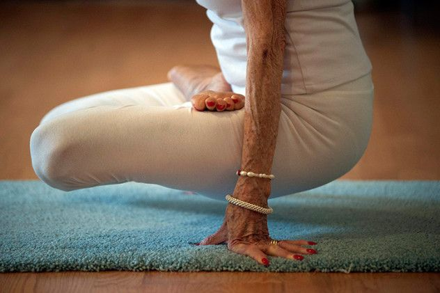 I just love this picture...and I love yoga. :)