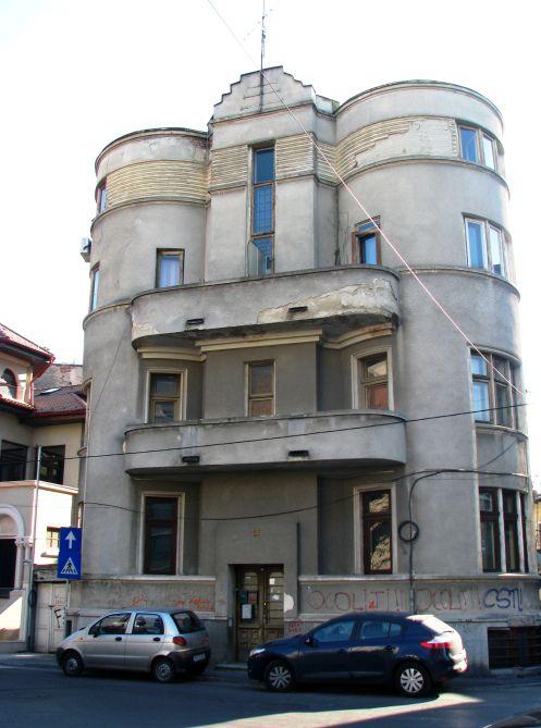 Interbellum Art Deco/Modernist, central Bucharest
