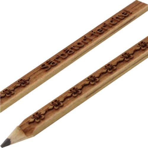 Creion ARISTiCRAT, pentru barbati. Dreptunghiular, gravat, mina 6B pentru desen. www.atip.ro