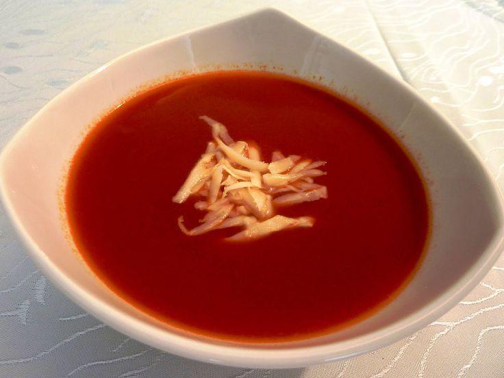 Sıcak sıcak domates çorbası içesi geliyor insanın!