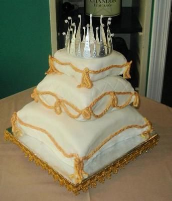 Silver Crown & Gilded Pillows Wedding Cake