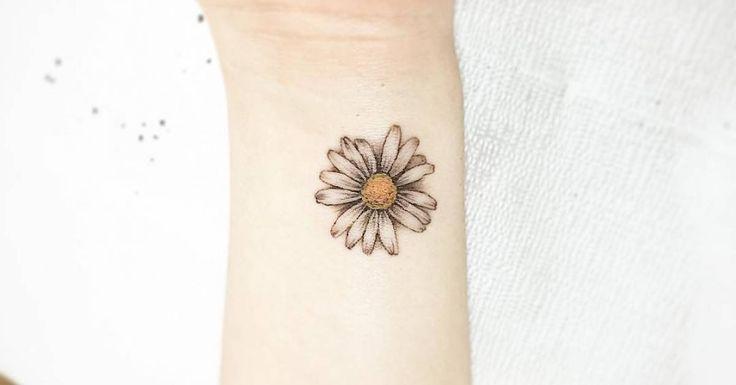 Tattoo Artist: Tattooist Up. Tags: categories, Illustrative, Nature, Flowers, Daisy. Body parts: Wrist.