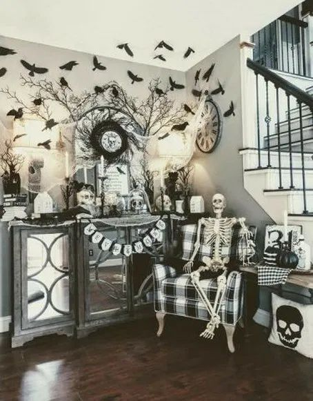 20 DIY Halloween Decorations That Are Cheap and Easy To Make #halloween #hallowe…