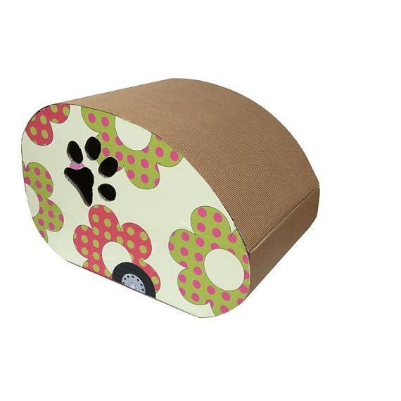 CAMPER-CAT, gioco, rifugio e tiragraffi per gatti: simpatiche roulotte romantiche in cui trovare un caldo rifugio.
