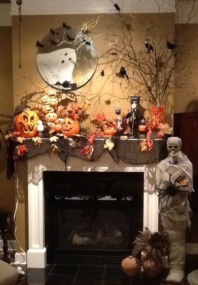 halloween decorations pics love the ghost in the mirror - Halloween Mantel Decor