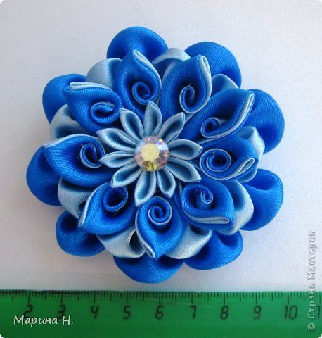 Lovely Japanese-style silk kanzashi flower for your lovely tresses!  <3