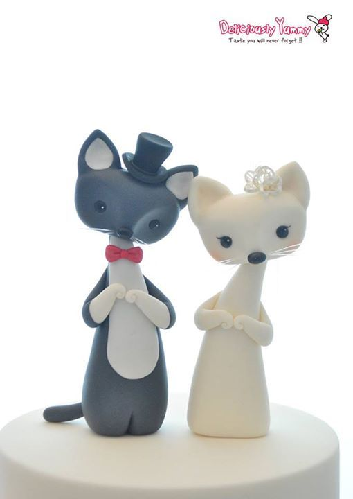 When groom kitty met bride kitty!