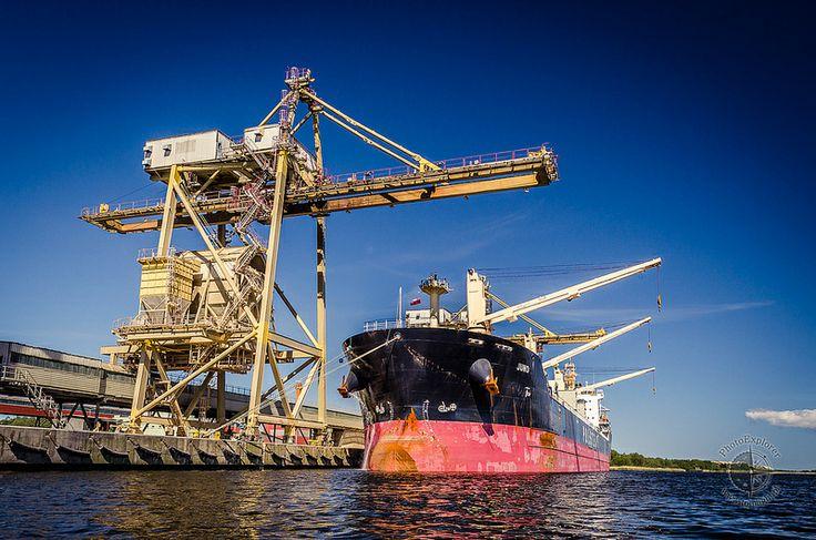 Transport i przemysł - Juno w Polickim porcie