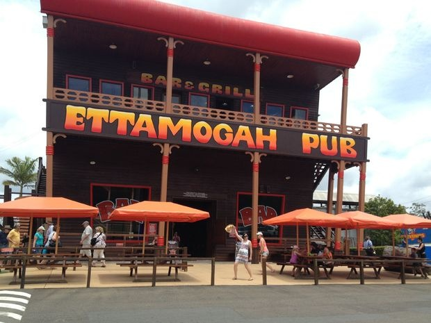 Pit stop | Ettamogah Pub and Aussie World #sunshinecoast #pub #triplejroadtrip