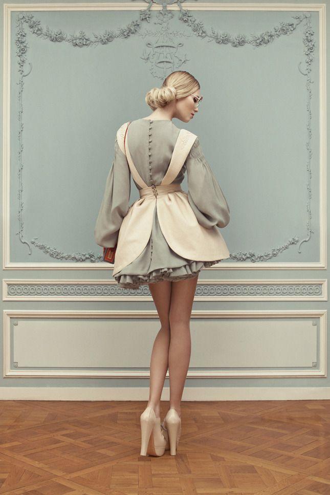 Лукбук Ulyana Sergeenko Couture 2013 lookbook shot by photographer Nickolas Sushkevich.