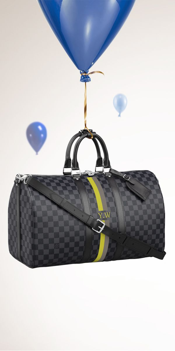 Add the Louis Vuitton Keepall Bandoulière Mon Damier Graphite to your holiday wishlist.