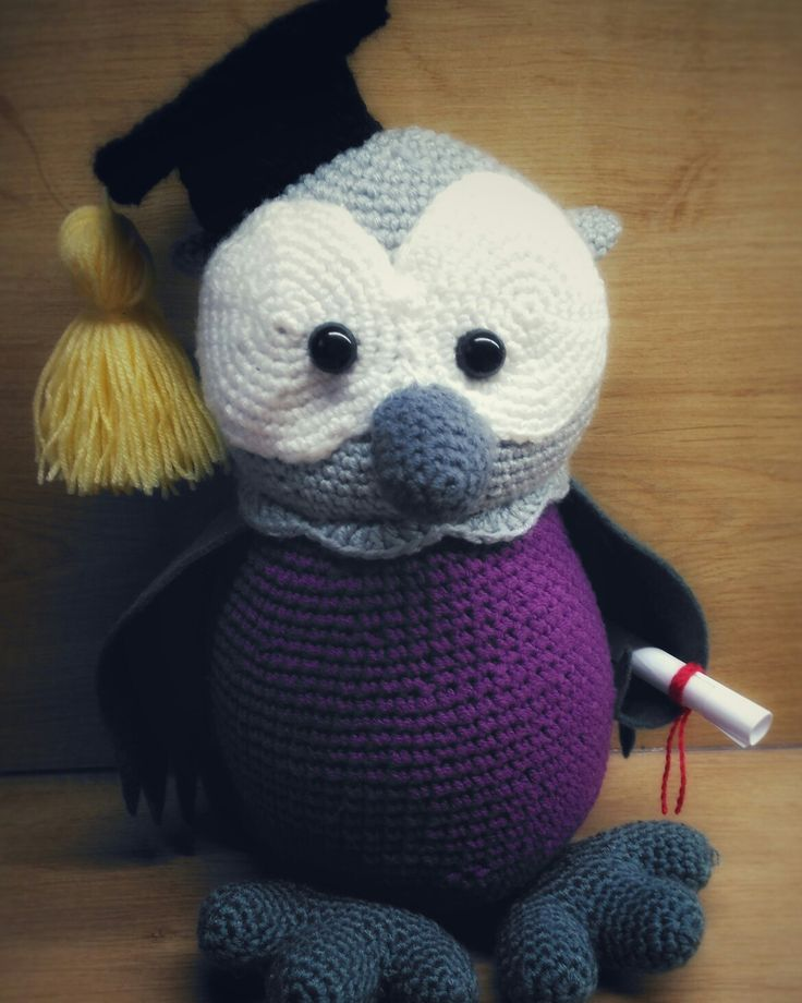 crochet owl - graduation