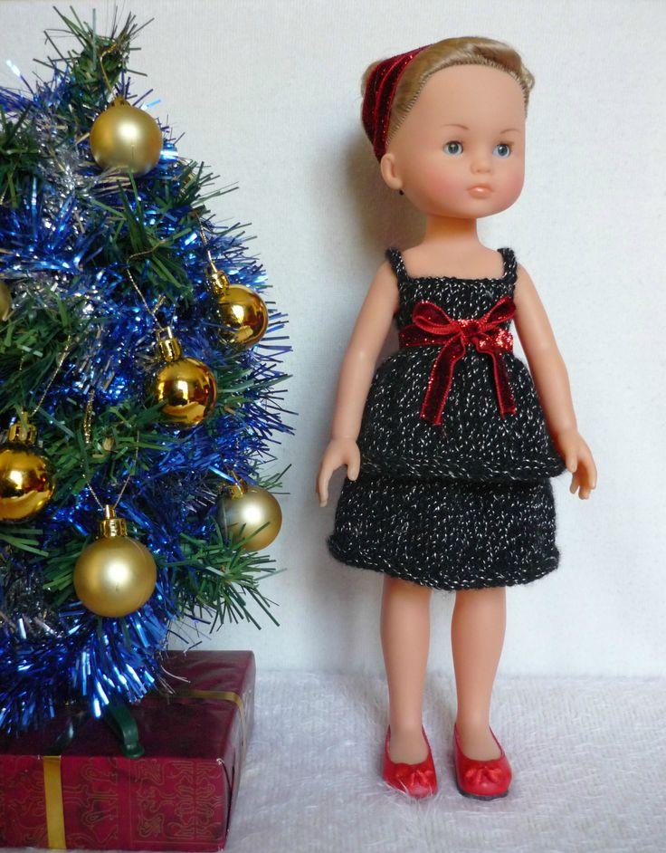 Robe à double volant pour poupée Chérie - http://p0.storage.canalblog.com/06/82/1066432/101751927.pdf