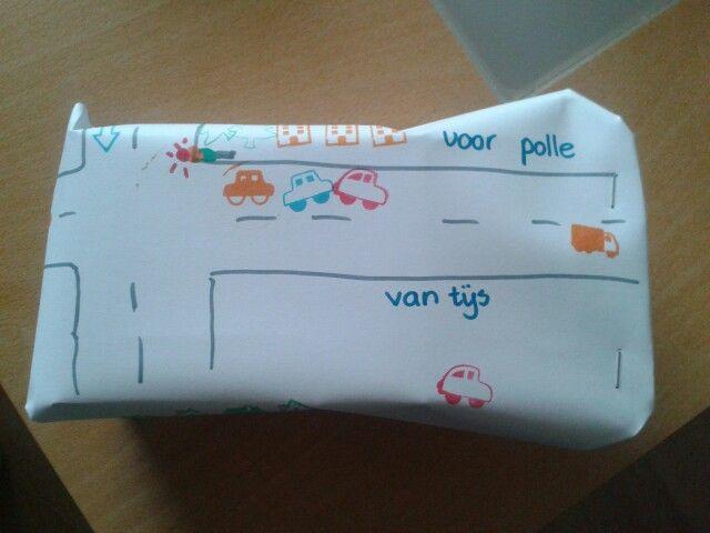 Zelf inpakpapier maken