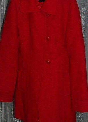 À vendre sur #vintedfrance ! http://www.vinted.fr/mode-femmes/manteaux-dhiver/25956121-manteau-en-laine-rouge-taille-36-de-la-marque-pimkie-couture-bon-etat