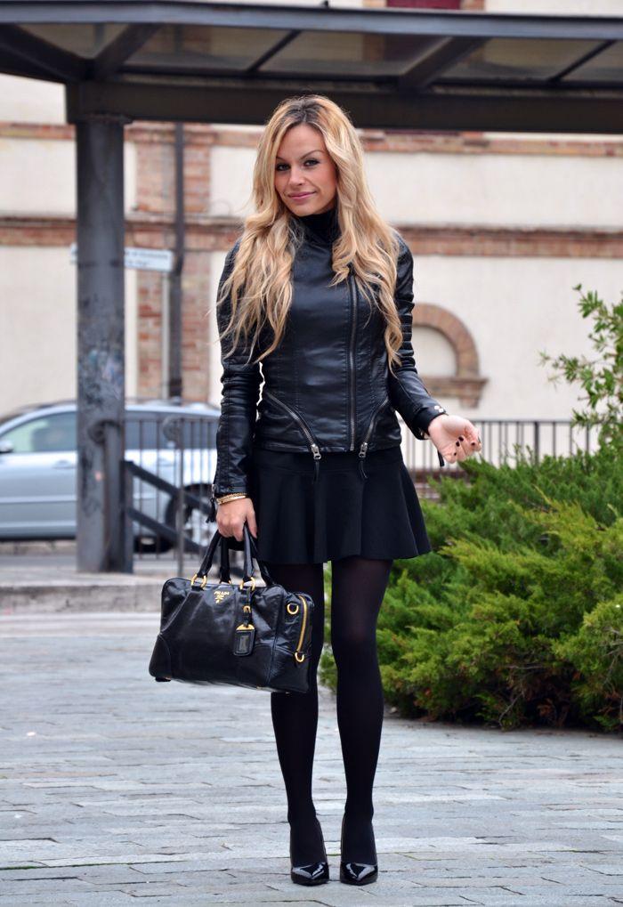 Skirt with trumpet hem, leather jacket, Zara pumps and Prada bag #outfit #fashionblogger #fashion