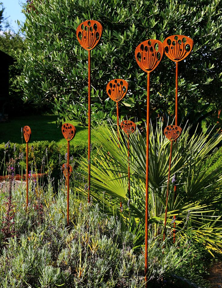 Garden Sculpture Crafted From Rusted Metal, Inspired By The Seed Head Of  The Cow Parsley